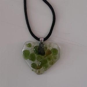 Collier en verre vert 2